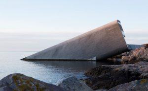 nhà hàng dưới biển đầu tiên trên thế giới ở nước nào